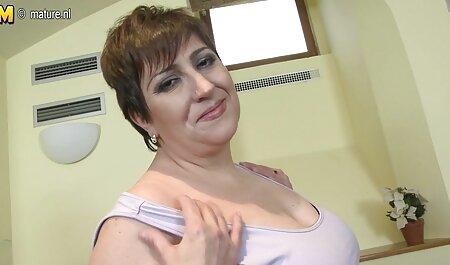 घर! एक साधारण रूसी लड़का तनाव में था, लेकिन उसने अपने लोचदार लिंग को लड़की की तंग चूत में डाल सेक्सी मूवी वीडियो हिंदी दिया