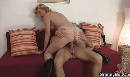 एक सुंदर आबनूस लड़की एक सींग का बना हुआ nigga सेक्सी मूवी फिल्म वीडियो के साथ fucks