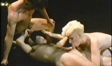 ब्रुनेट्स गले, सेक्सी मूवी फिल्म वीडियो चाटना और सह जोर से