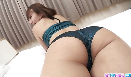 विक्रेता गोरा को सेक्सी मूवी बीपी वीडियो अपना माल दिखाता है