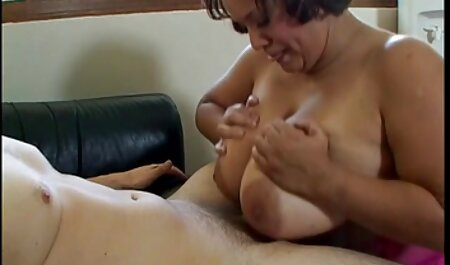 सभी पवित्र महिला सुरक्षा से आराध्य titties के साथ नग्न जापानी सौंदर्य केवल जाँघिया है जो उसे आराध्य, बालों वाली बिल्ली को हिंदी में सेक्सी मूवी फिल्म छुपाता है