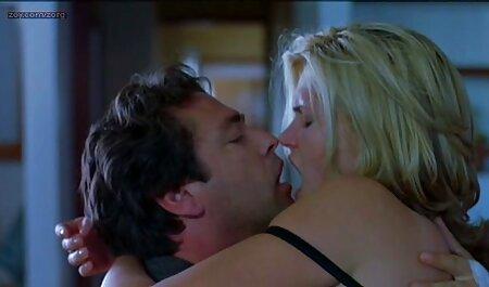 मिखाइल ने कैमरे पर अपने डिक को बंद कर सेक्सी हिंदी मूवी सेक्सी दिया