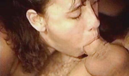 यार ने अपनी पत्नी को अपने सेक्सी वीडियो हिंदी में मूवी मोटे बोल्ट पर खींचा
