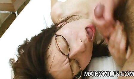 कामुक वेशभूषा सेक्सी हिंदी मूवी वीडियो में आबनूस एक dildo के साथ बकवास