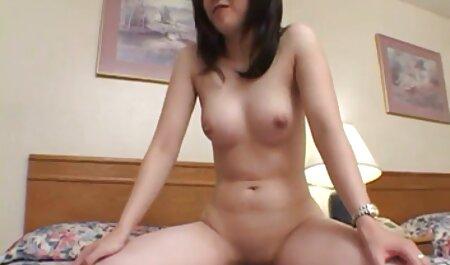 सारा उसके सेक्सी हिंदी मूवी वीडियो बड़े स्तन पर सह हो जाता है